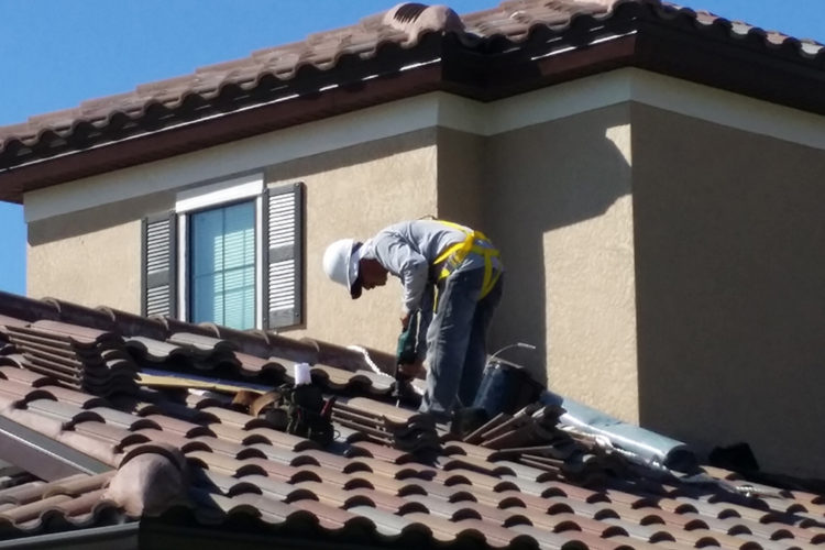 trained-roofer-inspect-your-roof