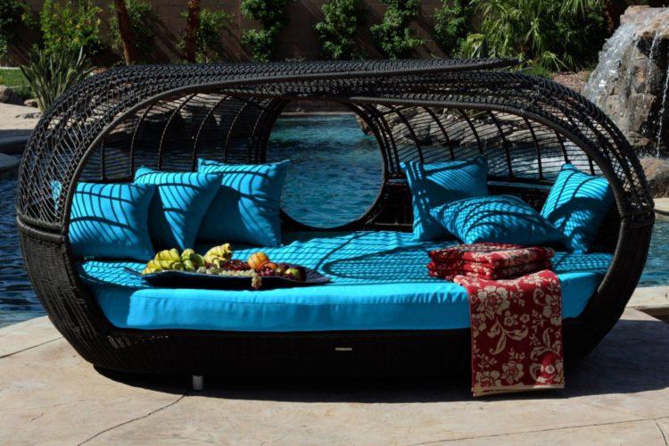 compare rattan garden furniture